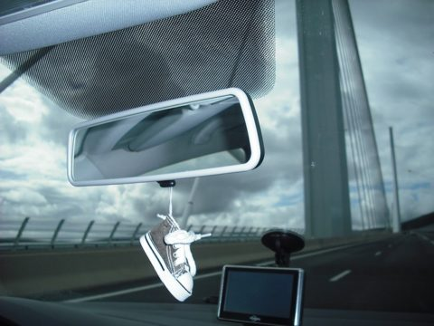 Object hanging from rearview mirror illegal